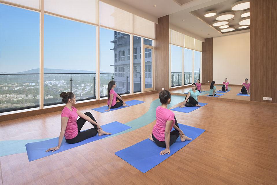 Yoga Room - Crescent Bay Amenities